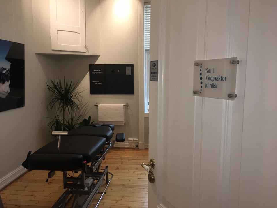 Bilde av behandlingsrom ved Solli Kiropraktorklinikk